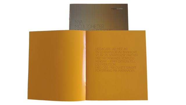 Ett uppslag ur broschyren Nya möjligheter med framtidens bankkort